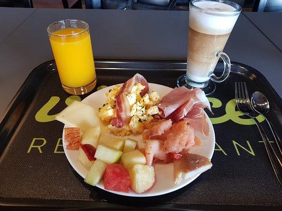 Nottwil, سويسرا: Frühstück