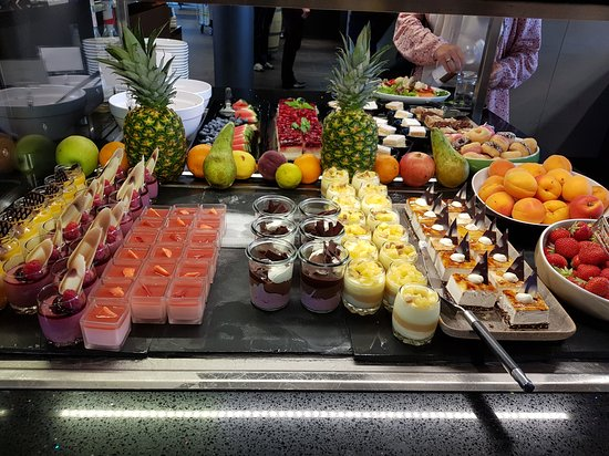 Nottwil, سويسرا: Dessertbuffet