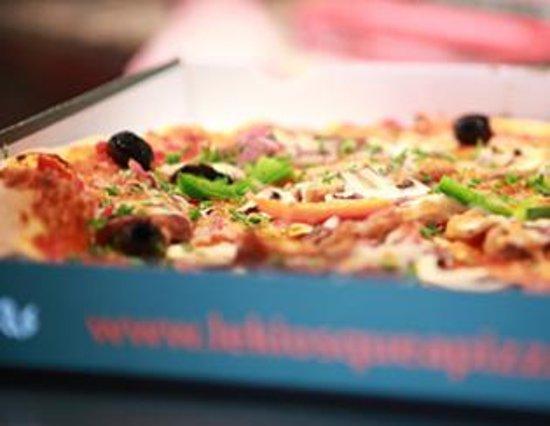Saint-Mars-du-Desert, France: Pizzas artisanale, pâte fine et fraîche