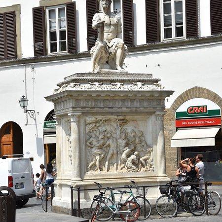 San Lorenzo market: photo2.jpg