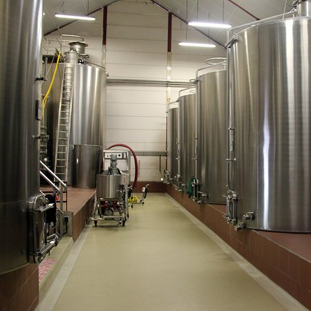 Meyssac, France: Inox and temparature controlled wine making vats at the chai.
