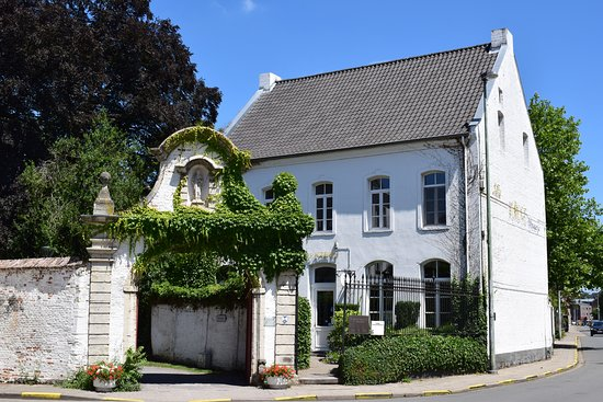 Diest, België: Gate of the Minderbroeders Monaster