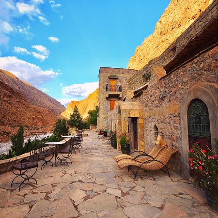 Beautiful cave hotel in Todra Gorge