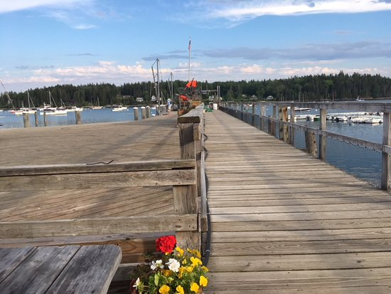 Luke's: Table seating by the water at beautiful Tenant's Harbor