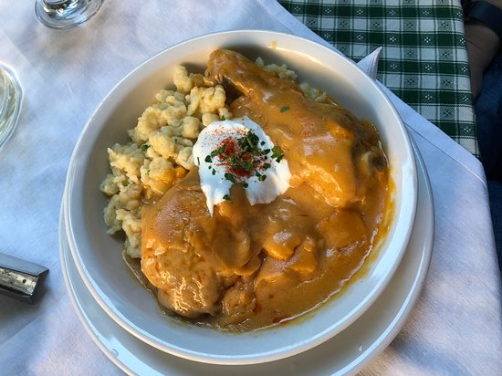 Polo Pub: Chicken Paprikash