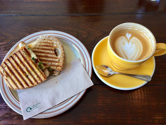 Bean and Cole: Scrummy Toasties!
