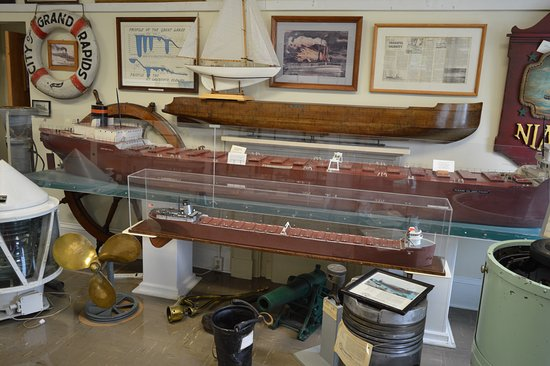 Fairport Harbor, OH: models of ships used on Lake Erie
