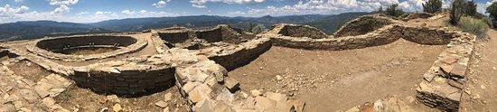 """พาโกซาสปริงส์, โคโลราโด: """"Anasazi"""" (?) ruins, partially reconstructed."""