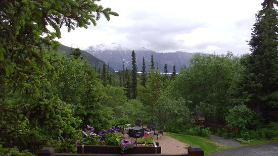 Tundra Rose Guest Cottages: view from Berries and Blossems-suite