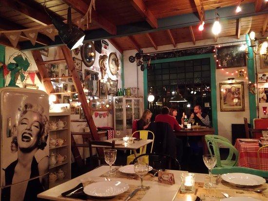 Villa Elisa, อาร์เจนตินา: Cena en pareja