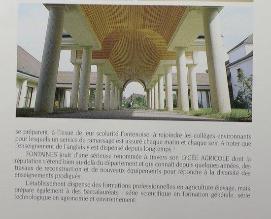La brochure éditée par le servie information de la mairie de Fontaines