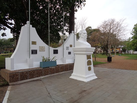 Plaza General Urquiza