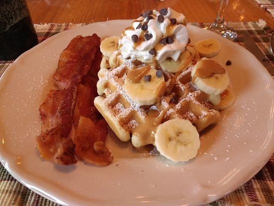 Berry Springs Lodge: Mmmmm. More breakfast.