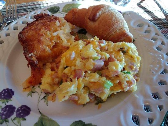 Berry Springs Lodge: Mmmm. Breakfast.