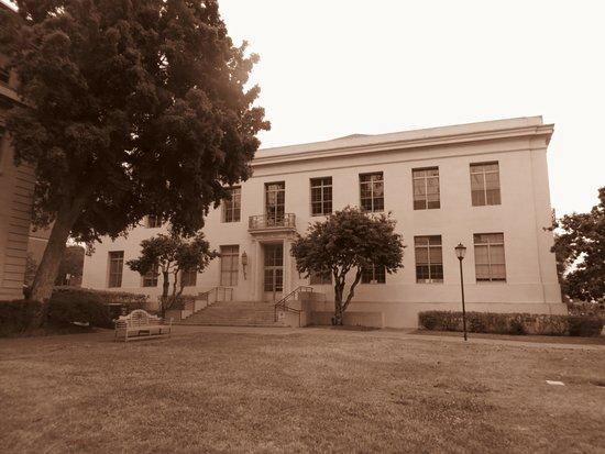 University of California, Berkeley: Sproul Hall
