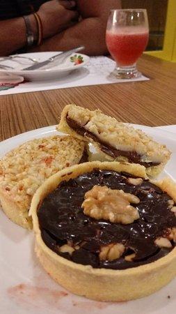 Santo Antônio de Jesus, BA: Tortinha de Chocolate e um super detalhe da Tortinha de Creme Branco com Nutella