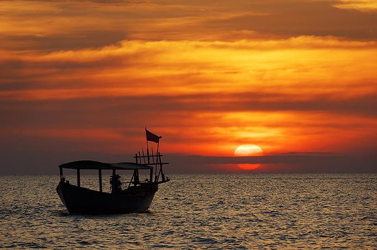 Small Group Sunset Cruise on Tonle...