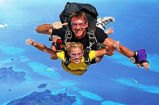 Skydive Fiji Minimum 8000ft Tandem ...