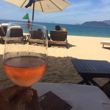 Louisiane Brewhouse: Nha Trang has nice beach but only at Lousiane we can have a feeling of heaven when we laying dow