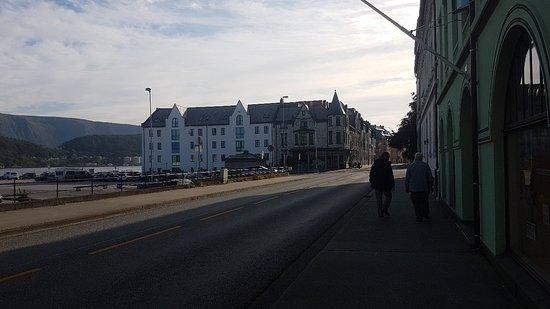 Quality Hotel Waterfront Alesund: 20180711_190634_large.jpg