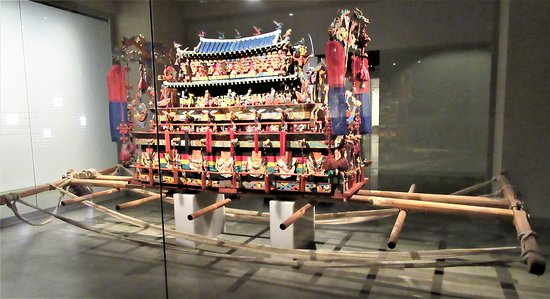 The National Folk Museum of Korea: A bier used for transporting the corpse to burial site.