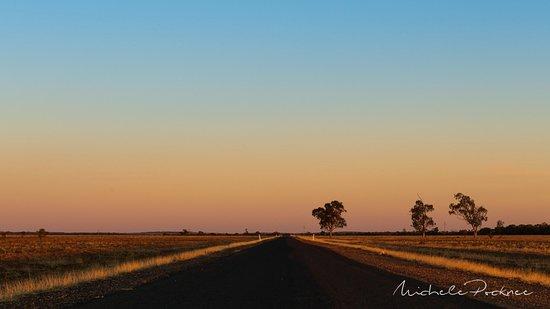 Morven, Australia: Main road near motel