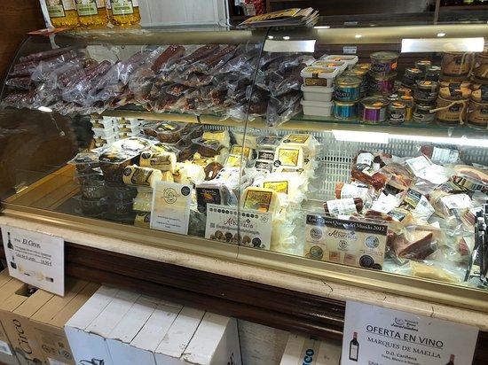 La Puebla de Valverde, Espagne : venta de productos gastronomicos de la zona