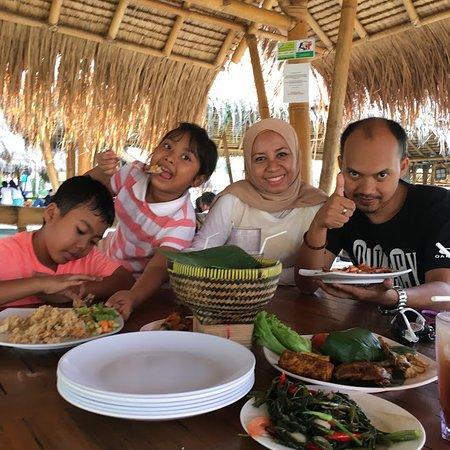 Rumah Air Bogor: Nasi timbel komplt
