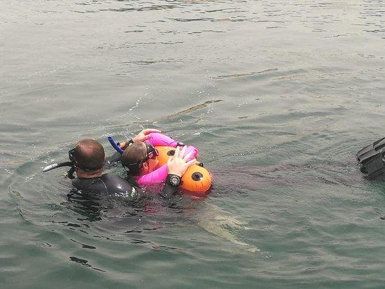 Ghantoot, Vereinigte Arabische Emirate: Rescue Tow - PADI Rescue Diver Course