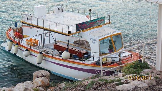 Franco Alida e la Viola: la Viola in porto a Levanzo