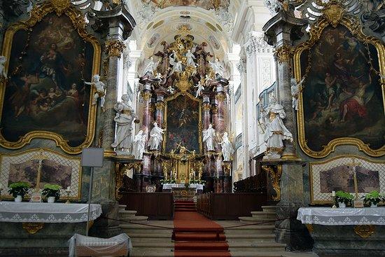 Schontal, Allemagne : Altäre des Innenschiffs der Klosterkirche durch eisen geschmiedete