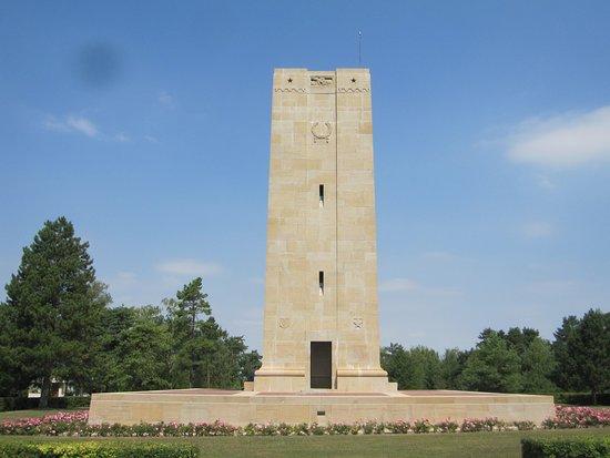 Monument de Blanc-Mont
