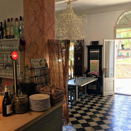 La Magrana Cafe-Bistro: photo0.jpg
