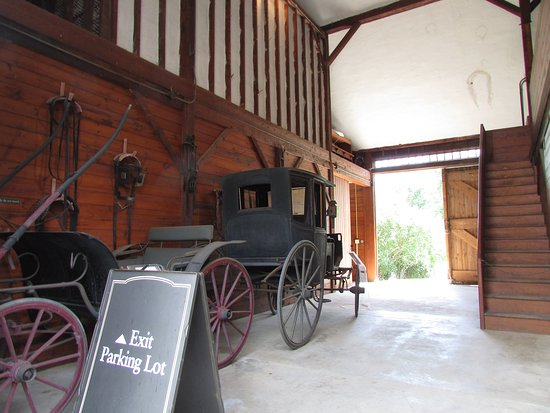 Farmington, CT: Inside carriage barn