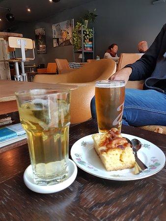 Vågal kaffe- og vin: Le gâteau....
