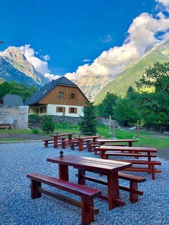 Log pod Mangartom, Szlovénia: New Garden Sitting