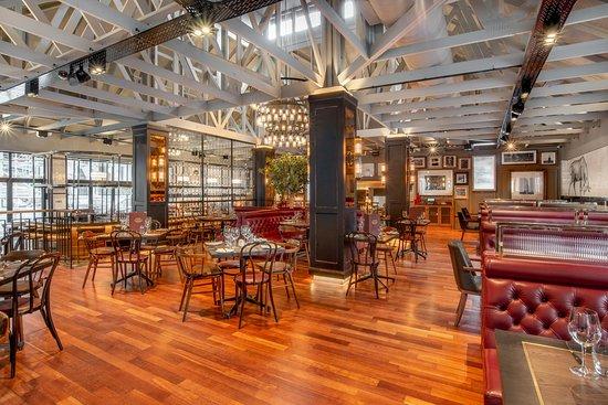 The Bull Run Restaurant: The Bull Run interior