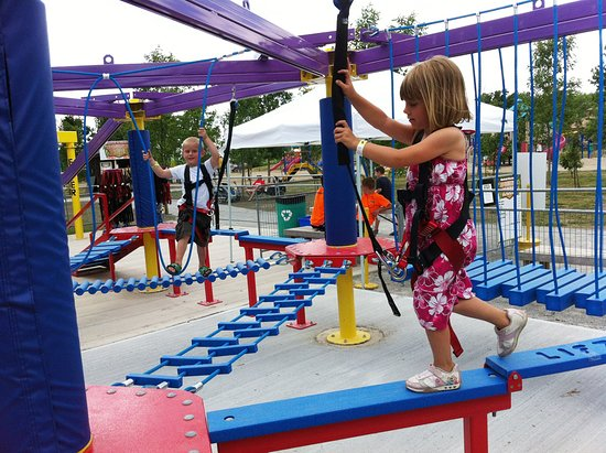 Stevensville, Canadá: Sky Quest & Sky Tykes Ropes Course