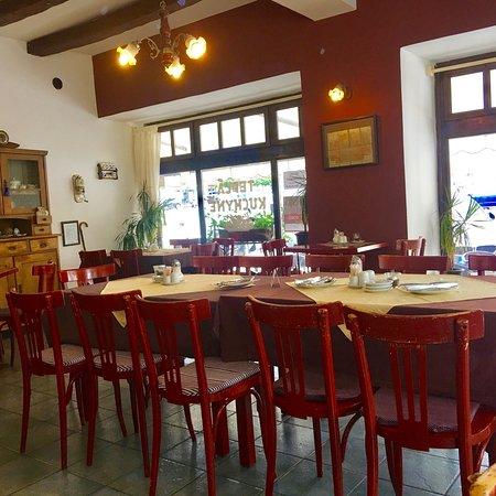 Restaurace A Kavarna Pod Vezi: Restaurace a Kavarna Pod Věži
