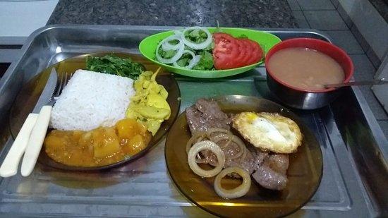 Navirai: Prato comercial, existem outras opções e variam também conforme o dia.