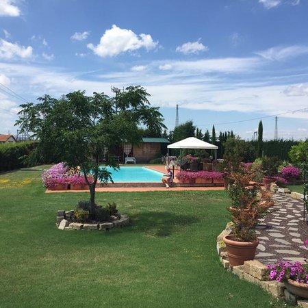 Valiano, Italien: Agriturismo Le Rondinelle