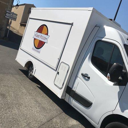 Vaucluse, France : Camion pizza