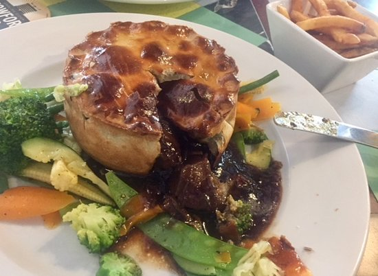 Grosmont, UK: Beef and Ale Pie at the Angel.