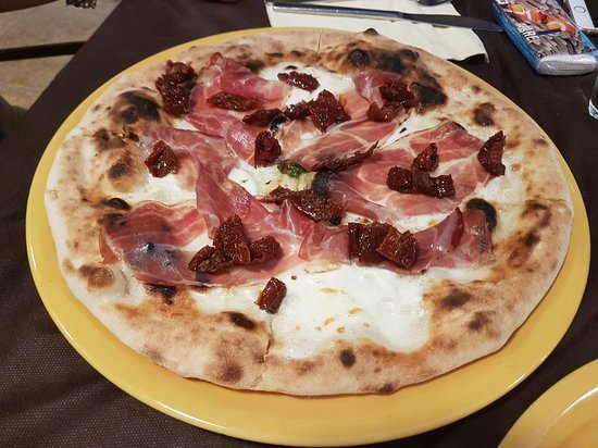Sannicandro di Bari, Itália: 20180704_204225_large.jpg