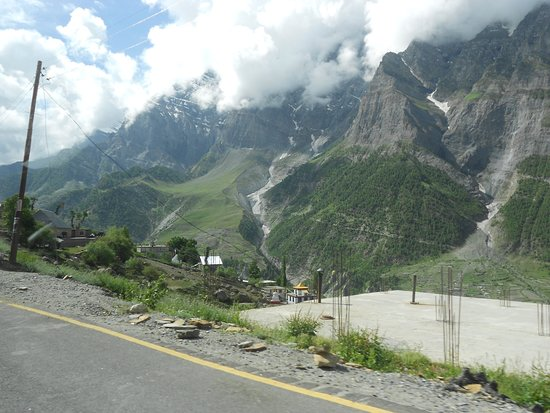 Lahaul and Spiti District, Ινδία: Sprawling and scenic Lahul valley