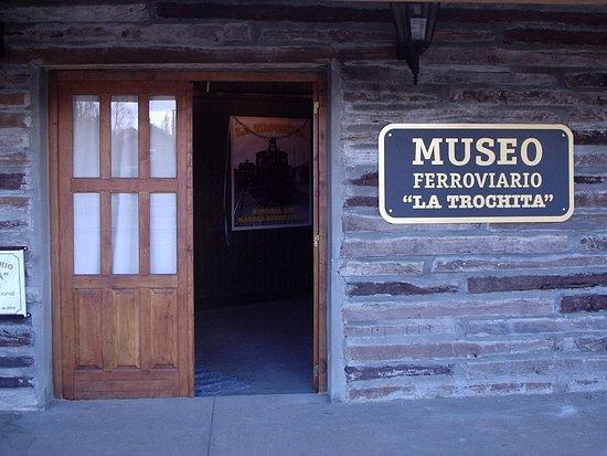 El Maiten, Argentina: Museo horarios de la semana de 08:00 a 13:00 de lunes a viernes, sabados de 10:00 a 14:00