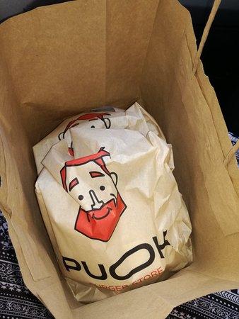 Puok Burger Store Foto