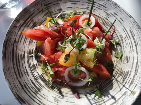 Discover Dallas Tours: Heirloom Salad at Wolfgang Pucks, Five Sixty Restaurant.  Reunion Tower, Dallas, Texas