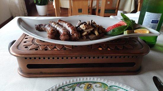 Maletto, Italië: Sicilian sausages