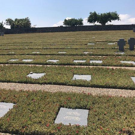 German War Cemetery: photo0.jpg